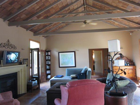 Host farm lounge